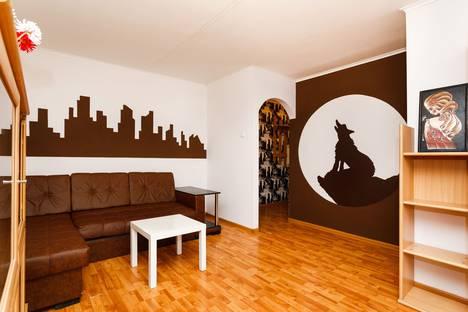 Сдается 2-комнатная квартира посуточно в Екатеринбурге, улица Бажова, 76.