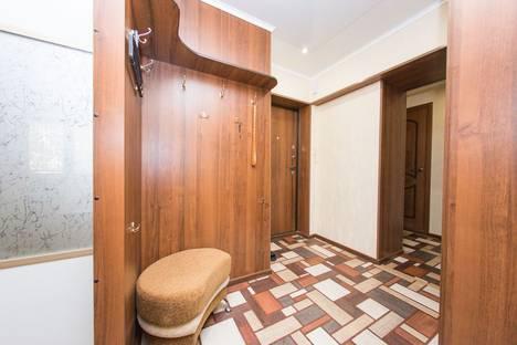 Сдается 2-комнатная квартира посуточно в Комсомольске-на-Амуре, проспект Первостроителей, 43.