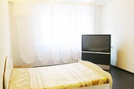 Сдается 1-комнатная квартира посуточно в Чебоксарах, улица Ярмарочная, 9 корпус 1.