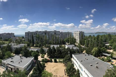 Сдается 1-комнатная квартира посуточно в Керчи, улица Генерала Петрова 6.