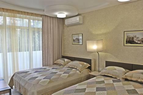 Сдается 1-комнатная квартира посуточно в Массандре, Ялта, Южнобережное шоссе, 7.