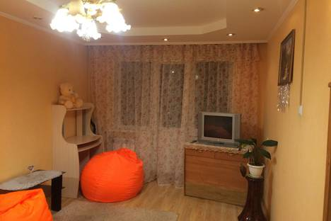 Сдается 1-комнатная квартира посуточно в Серпухове, улица Космонавтов, 15А.
