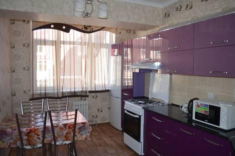 Сдается 2-комнатная квартира посуточно в Бишкеке, улица Панфилова, 1.