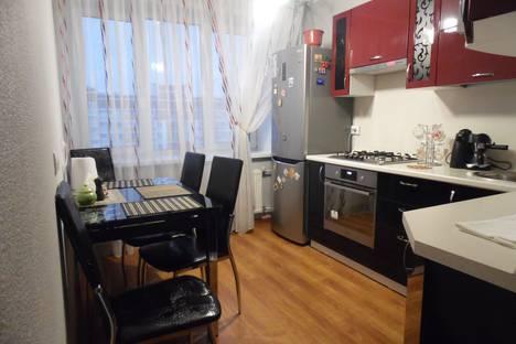 Сдается 1-комнатная квартира посуточнов Ижевске, улица Архитектора Берша, 5 корпус 1.