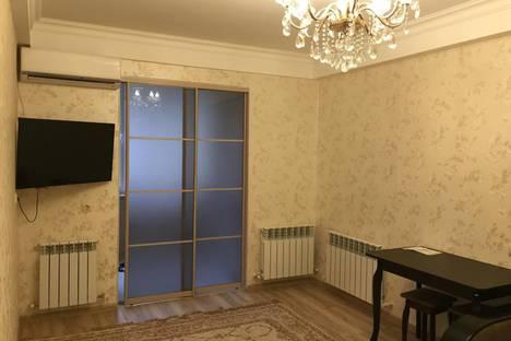 Сдается 1-комнатная квартира посуточно в Каспийске, улица Ленина, 52.