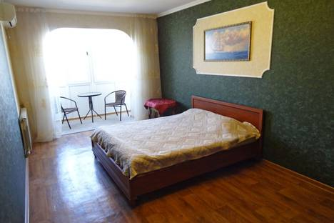 Сдается 1-комнатная квартира посуточно в Феодосии, ул. Галерейная 13.