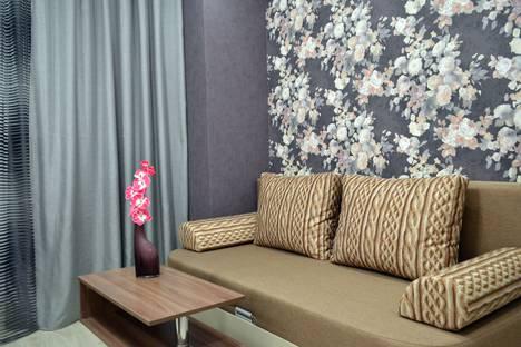 Сдается 1-комнатная квартира посуточно в Тольятти, улица 40 Лет Победы 51в.