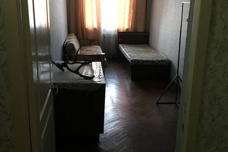 Сдается 3-комнатная квартира посуточнов Лабинске, Заводская улица, 8.