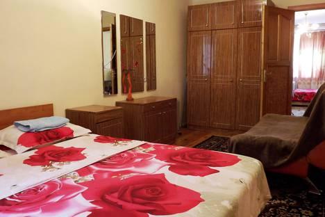 Сдается 2-комнатная квартира посуточно в Бишкеке, улица Логвиненко, 26а.