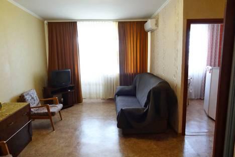 Сдается 1-комнатная квартира посуточно в Феодосии, Украинская улица 11.