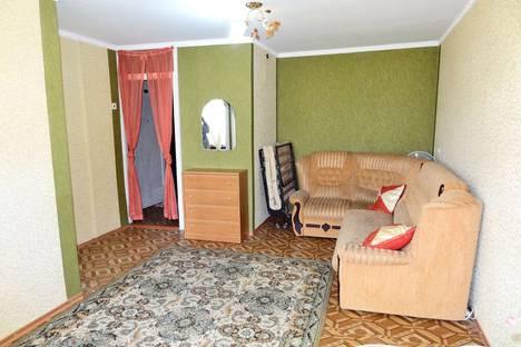 Сдается 1-комнатная квартира посуточно в Феодосии, переулок Куйбышева, 6.