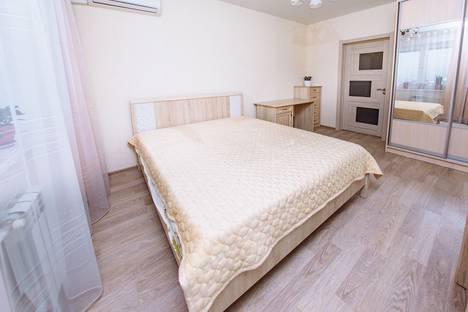 Сдается 2-комнатная квартира посуточно в Оренбурге, улица Попова, 103.