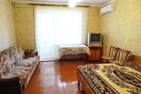 Сдается 1-комнатная квартира посуточно в Феодосии, Крым,10 набережная Десантников.