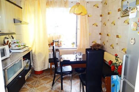 Сдается 1-комнатная квартира посуточно в Феодосии, улица Гарнаева, 77А.