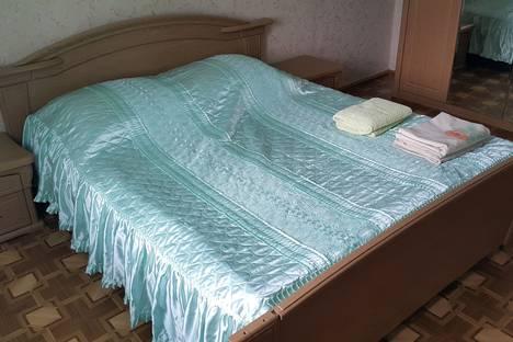 Сдается 3-комнатная квартира посуточно в Саянске, Мирный микрорайон, 7.