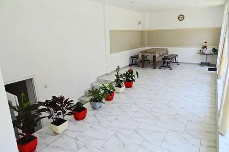 Сдается 1-комнатная квартира посуточно в Феодосии, Адмиральский бульвар, 7.