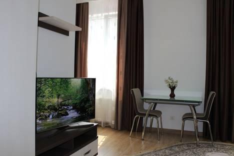 Сдается 2-комнатная квартира посуточно в Кишиневе, Chișinău, Bulevardul Ștefan cel Mare și Sfînt, 124.