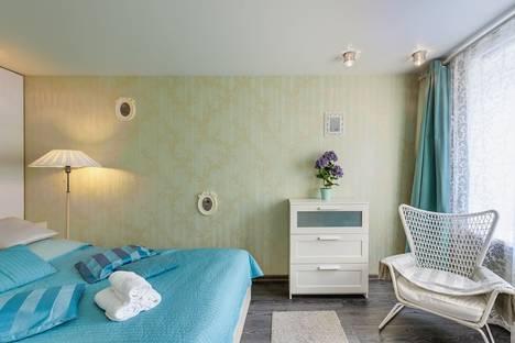 Сдается 2-комнатная квартира посуточно в Москве, улица Плющиха, 33.