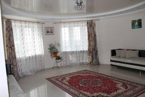 Сдается 2-комнатная квартира посуточно в Благовещенске, улица Горького, 154.