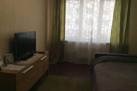 Сдается 1-комнатная квартира посуточно в Петергофе, Петергофская улица, 8.