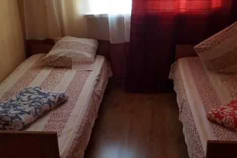 Сдается 3-комнатная квартира посуточно в Геленджике, улица Грибоедова 13.