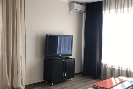 Сдается 2-комнатная квартира посуточно в Армавире, улица Каспарова, 65.