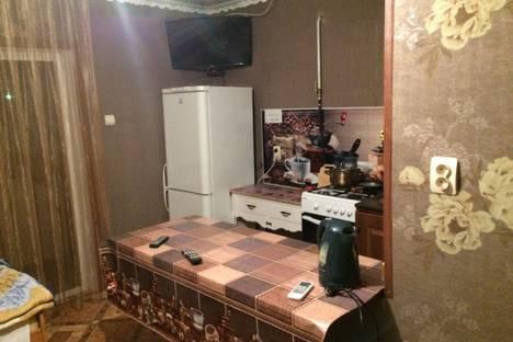 Сдается 2-комнатная квартира посуточно в Богучаре, улица Прокопенко, 16.