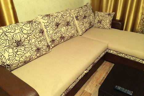 Сдается 1-комнатная квартира посуточно, улица Султанмахмут Торайгырова, 61.