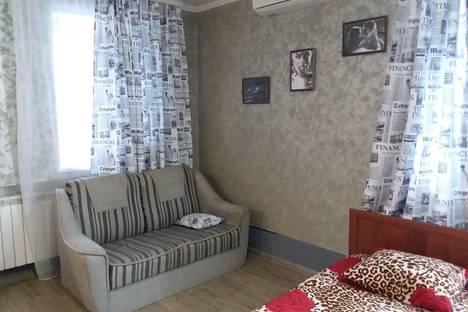 Сдается 1-комнатная квартира посуточно в Астрахани, Вокзальная пл, 1А.