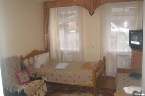 Сдается 2-комнатная квартира посуточно в Ессентуках, улица Ленина, 25.