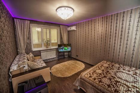Сдается 1-комнатная квартира посуточно в Смоленске, улица Черняховского, 15.