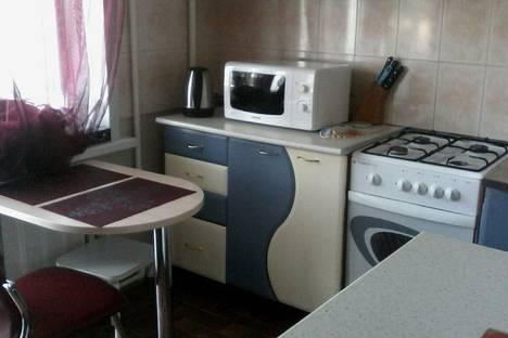 Сдается 2-комнатная квартира посуточно в Сызрани, проспект 50 лет Октября, 43.