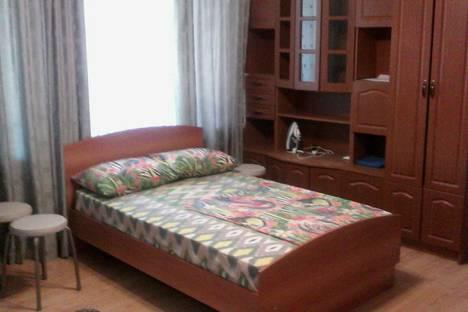 Сдается 2-комнатная квартира посуточно в Сызрани, проспект Космонавтов, 6.