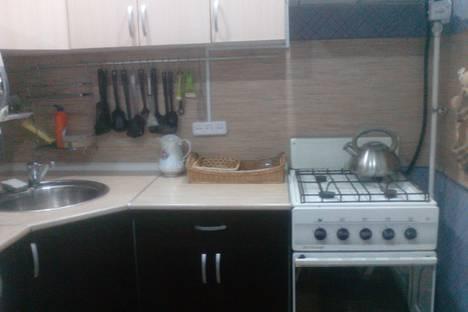 Сдается 2-комнатная квартира посуточно в Чайковском, Строительная улица, 8.
