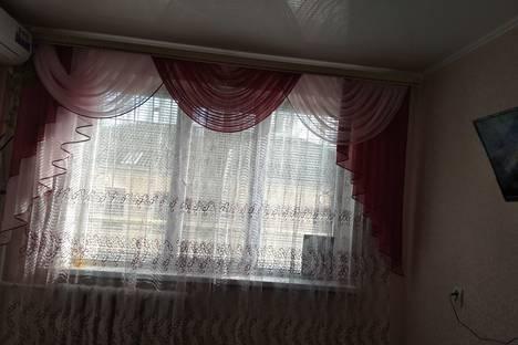 Сдается 1-комнатная квартира посуточно в Керчи, улица Горбульского, 7.