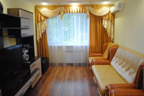 Сдается 1-комнатная квартира посуточно в Феодосии, ул Гарнаева д 65.