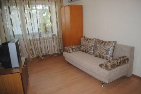 Сдается 1-комнатная квартира посуточно в Феодосии, ул галерейная д 19.