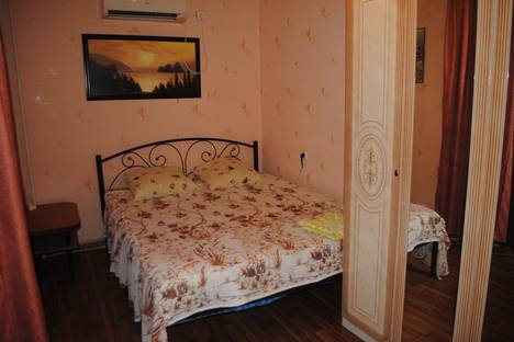 Сдается 2-комнатная квартира посуточно в Феодосии, ул Вересаева д 1.
