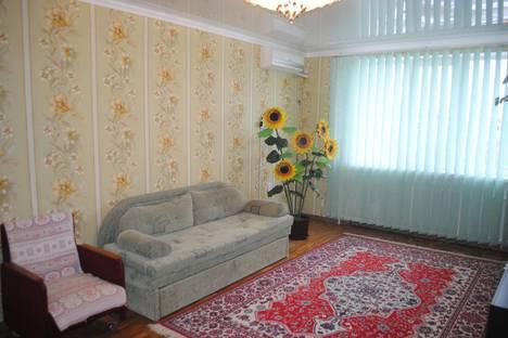 Сдается 1-комнатная квартира посуточно в Феодосии, б-р Старшинова д25.