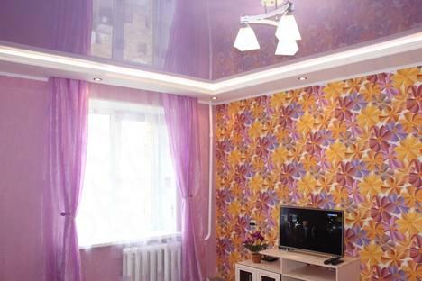 Сдается 1-комнатная квартира посуточно в Кольчугино, улица Ломако, 34.