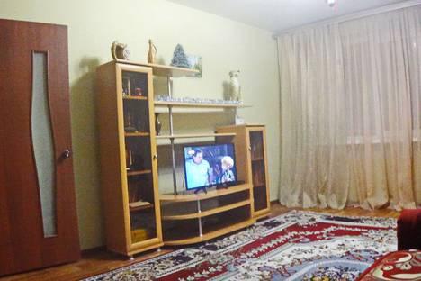 Сдается 3-комнатная квартира посуточно в Энгельсе, улица Кондакова 52.
