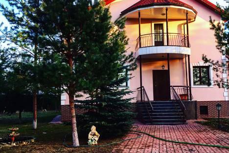 Сдается коттедж посуточно в Апрелевке, 2-я Московская улица, 37.