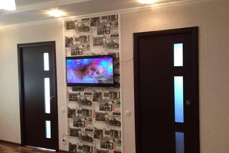 Сдается 3-комнатная квартира посуточно в Уральске, мендалиева 2.