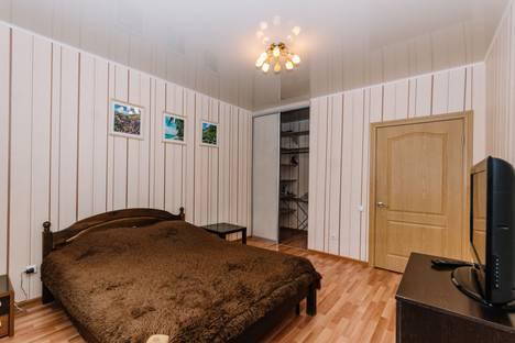 Сдается 1-комнатная квартира посуточно, Баязита Бикбая улица, 17.
