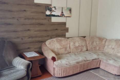 Сдается 2-комнатная квартира посуточно в Лесосибирске, 9й мкр-н, 7.