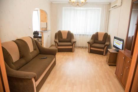 Сдается 2-комнатная квартира посуточно в Ижевске, ул.К.Либкнехта 26.