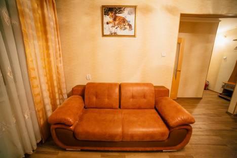 Сдается 2-комнатная квартира посуточно в Комсомольске-на-Амуре, улица Комсомольская, 34.