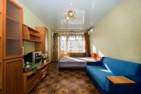 Сдается 1-комнатная квартира посуточно в Комсомольске-на-Амуре, улица Сидоренко, 32.