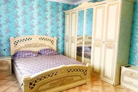 Сдается 2-комнатная квартира посуточно, улица Октябрьская, 77.