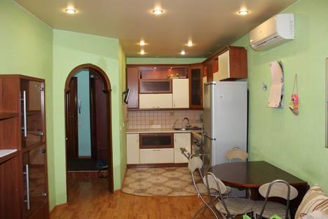 Сдается 2-комнатная квартира посуточно в Санкт-Петербурге, улица Маршала Tухачевского, 13.